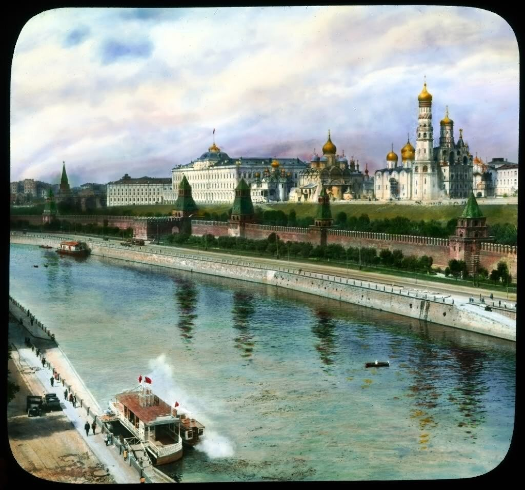 Вид на Кремль от Большого Каменного Моста