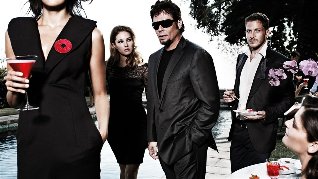 Бенисио дель Торо / Campari The Red Affair 2011 calendar - Benicio del Toro by Michel Compte - март