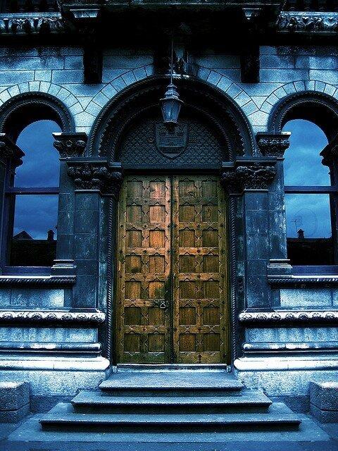двери.Museum Building, Trinity College Dublin - Ireland