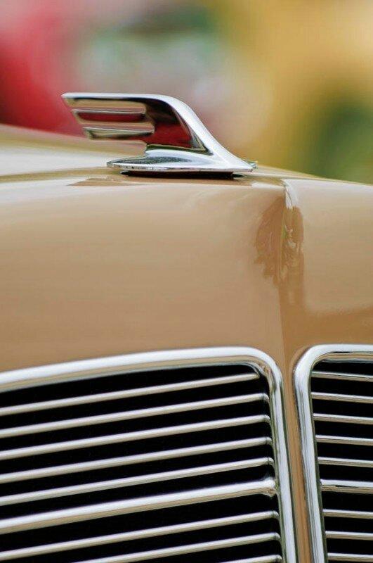 1932-marmon-hcm-v-12-2-door-sedan-prototype-hood-ornament.jpg