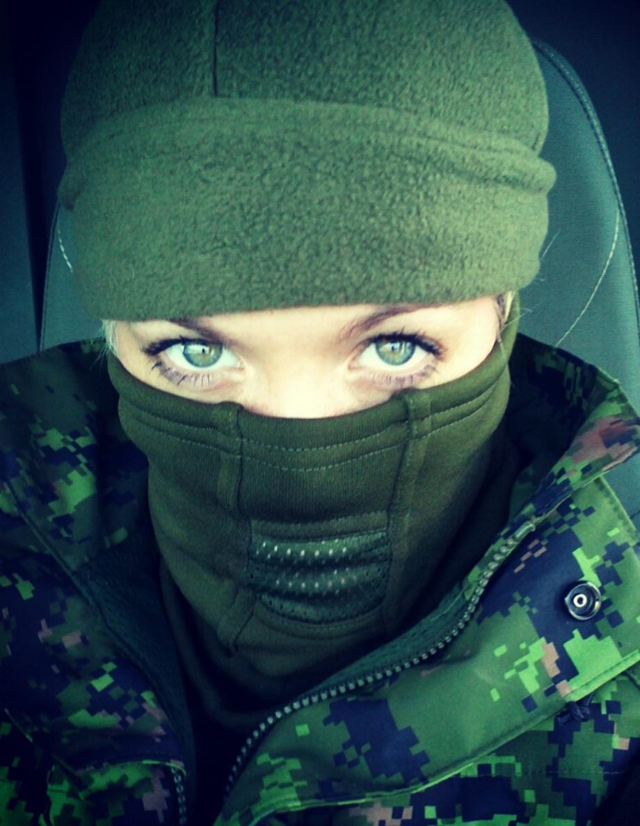 Фото девушек в масках омона на аву