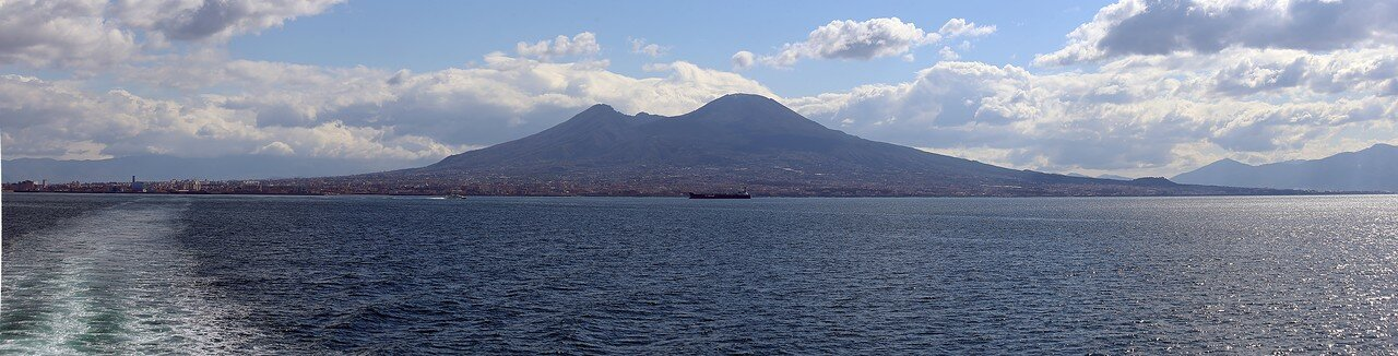 Vesuvius, view from the sea