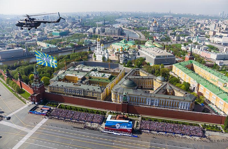 Кремль и Красная Площадь 9 мая 2012 года