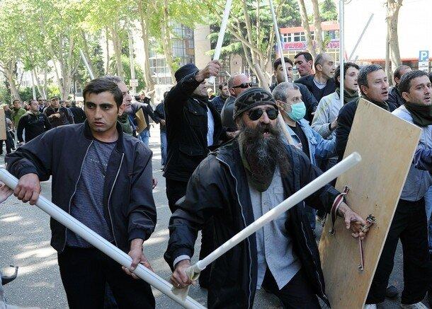 Тбилиси: сегодня - вчера Georgian opposition activists clash with