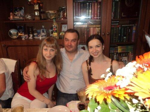 Саша с сестрами