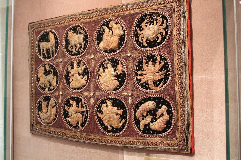 Панно с изображением знаков Зодиака