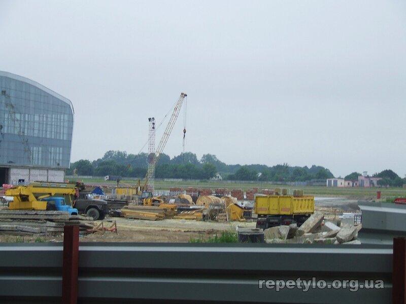 Хтось бачить чи будують автостанцію?
