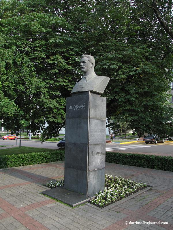 Памятники минск одоевского цена на памятники тюмень из мрамора