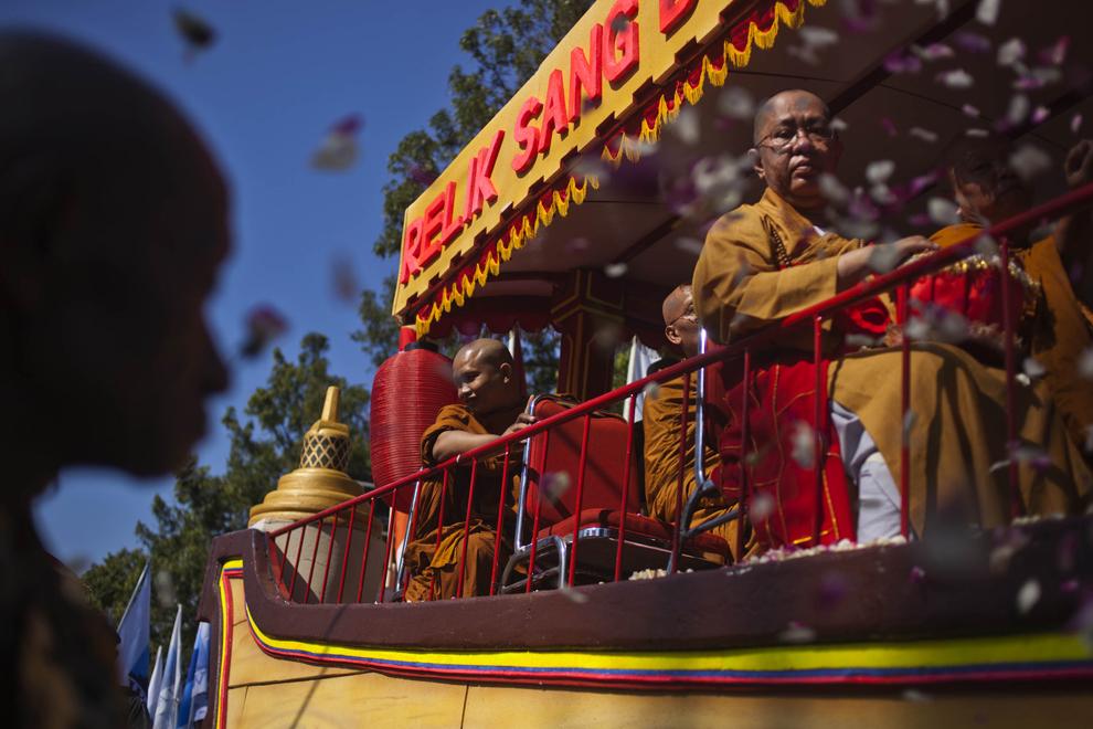 День рождения Будды (Весак) в Индонезии