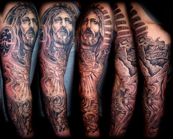 Классные татуировки на плечах и предплечьях рук