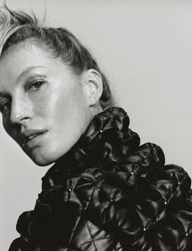 gisele-bc3bcndchen-by-harley-weir-for-pop-magazine-fall-winter-2015-10.jpg