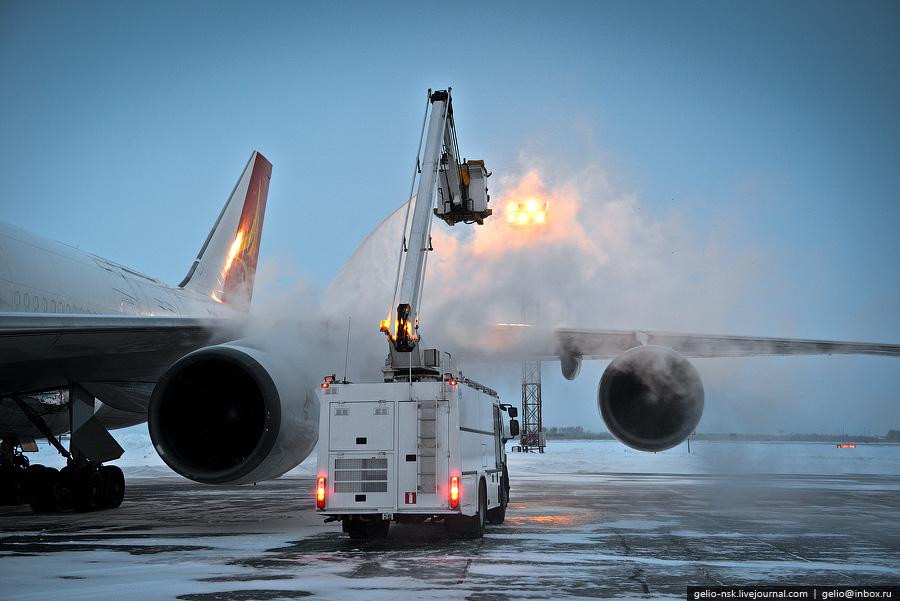 На такой самолет как boeing 747 требуется
