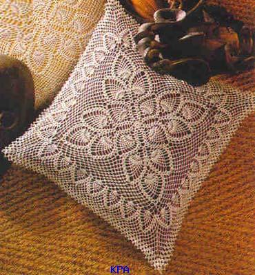 Подушки разные-вязаные крючком,спицами,сшитые,со схемами и без.