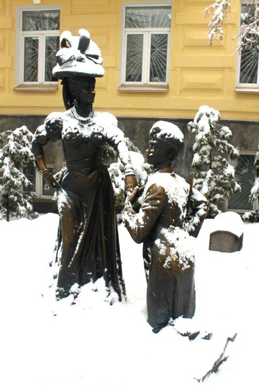 Памятник Проне и Голохвастову
