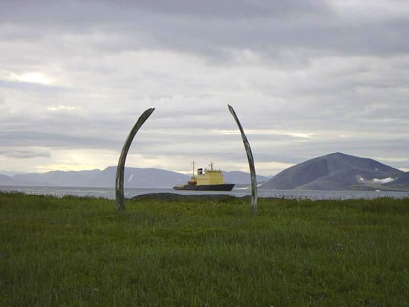 Китовая аллея, остров Итыгран