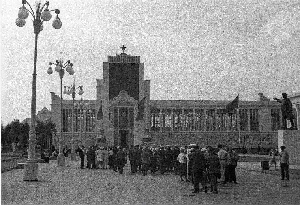 25. Павильон Московской, Тульской и Рязанской областей