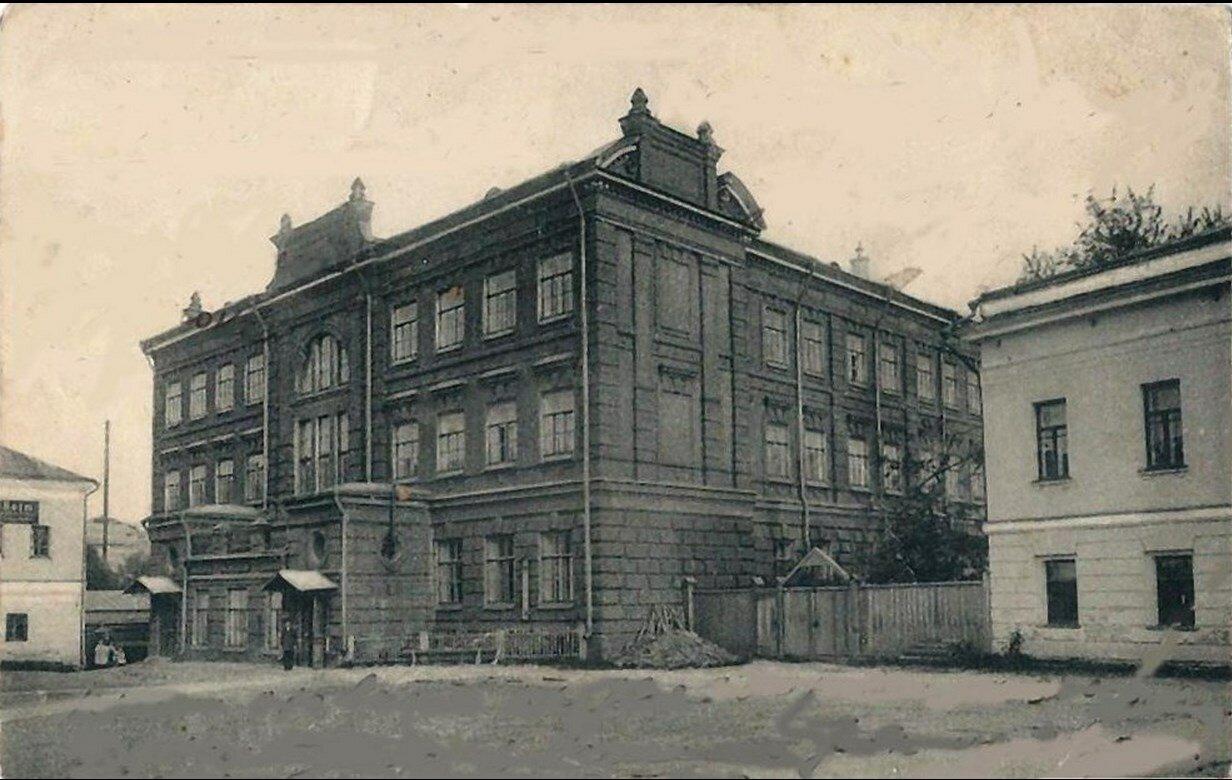 Петро-Вавловская женская гимназия