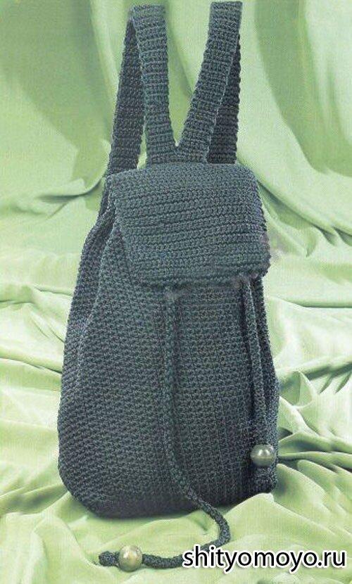 Зеленый рюкзак связан крючком