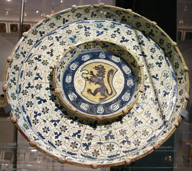 Блюдо с гербом Дельи Альи