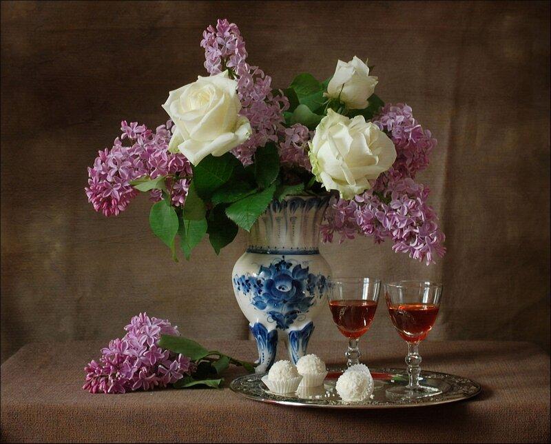 сирень и розы