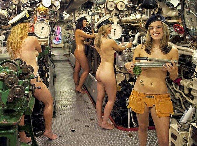 Порно фото жены и ее подруги.