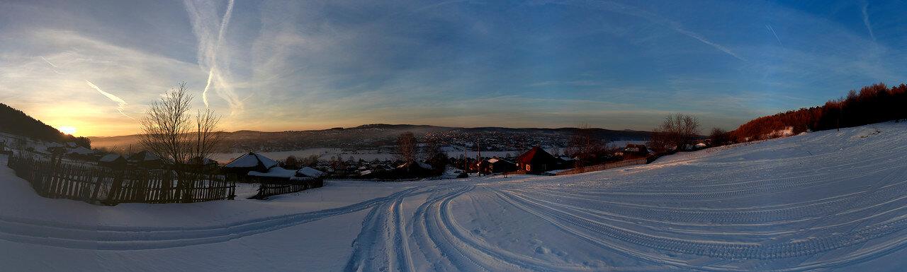 Зимний закат на горе Моховой, панорама