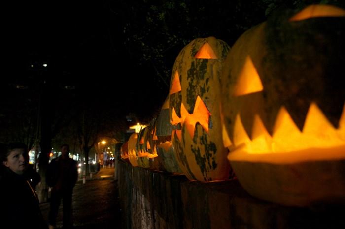 Тыквы и страшные костюмы: мир празднует Хэллоуин 2014 года 0 106abe 63e5ac0f orig