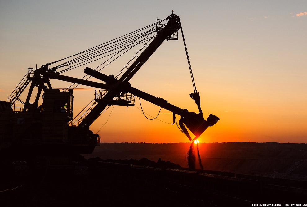 9. Сегодня мощность разреза превышает 20 млн тонн угля в год. Обеспечивать столь высокие показатели