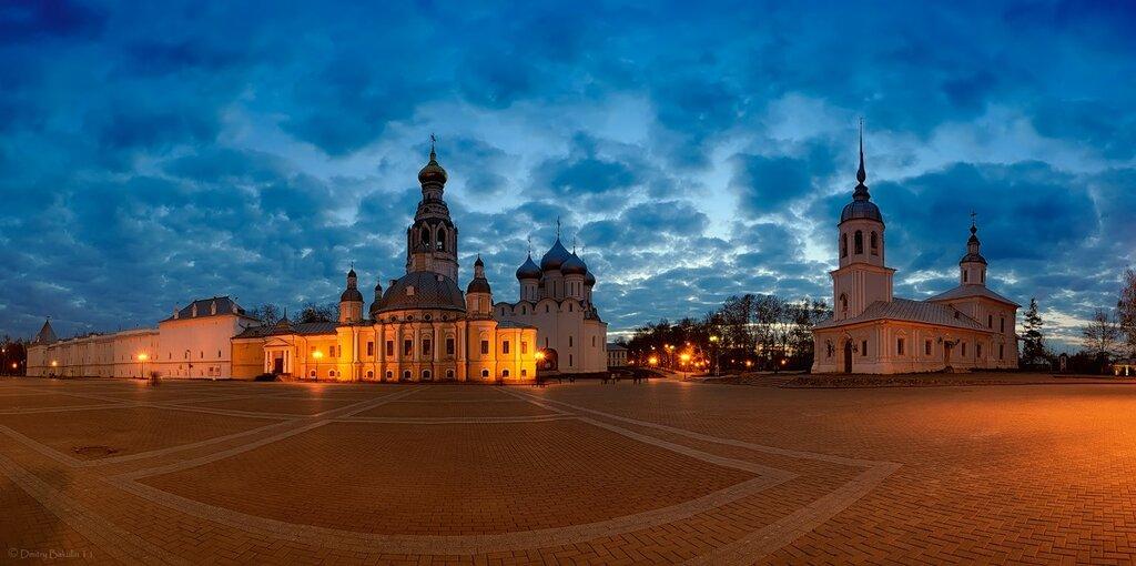 Панорама Вологодского Кремля на закате