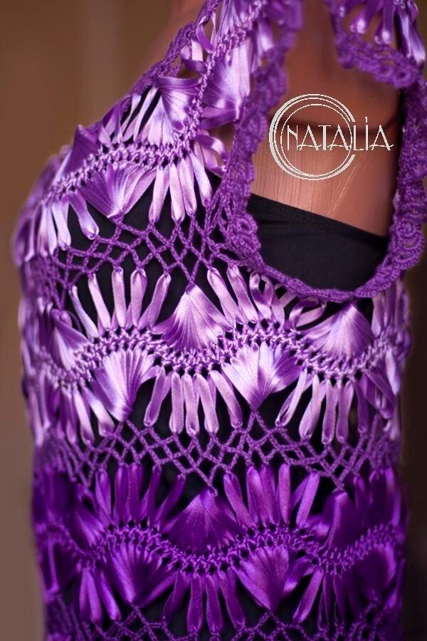 платье из атласных лент, на вилке.