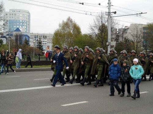 г Новокузнецк. Военный парад