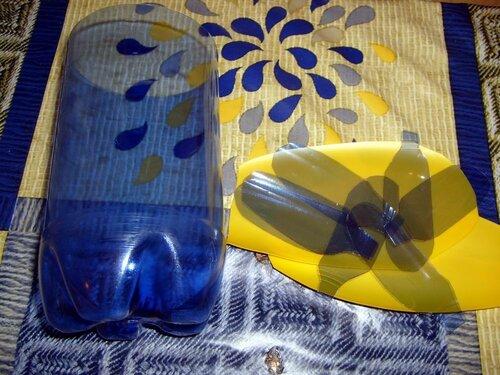 Экзотический цветок из пластиковых бутылок