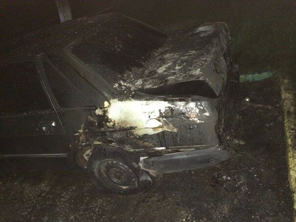 Ночью на Керченской переправе сгорел Mercedes [Фото] фото 2