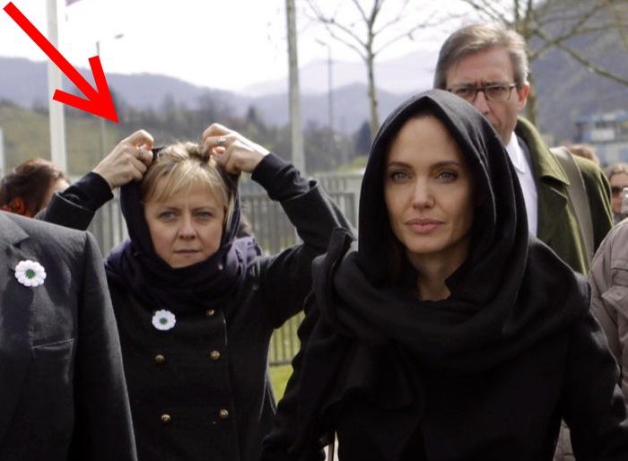 Высокопоставленная дама входит в состав британской Палаты лордов и имеет огромное влияние на Джоли.