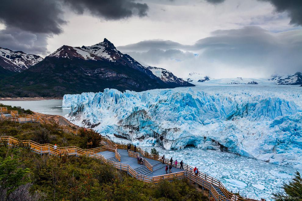 3. «Ширина языка ледника Перито-Морено составляет 5 км, средняя высота — 60 м над поверхностью