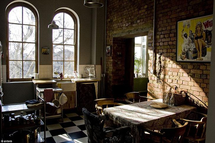 Эта переделанная квартира в Центральном Лондоне раньше была викторианской больницей Bethnal Green In