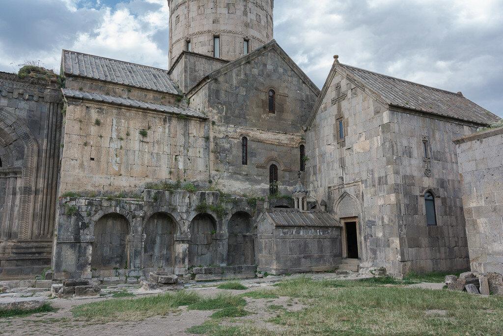 На горе Арарат растёт крупный виноград (Армения)