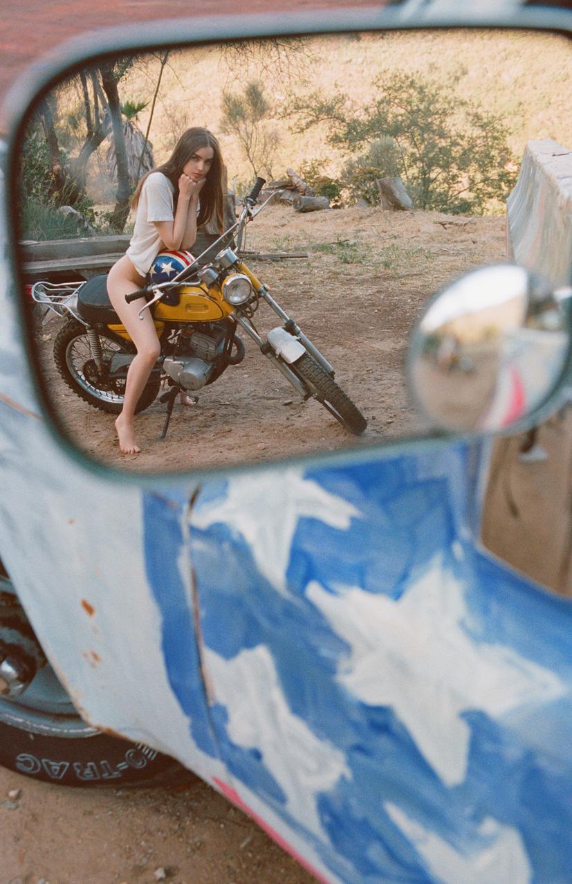 Девушка месяца Эли Майкл / Ali Michael - Playboy USA july 2016 playmate / photo by Jason Lee Parry