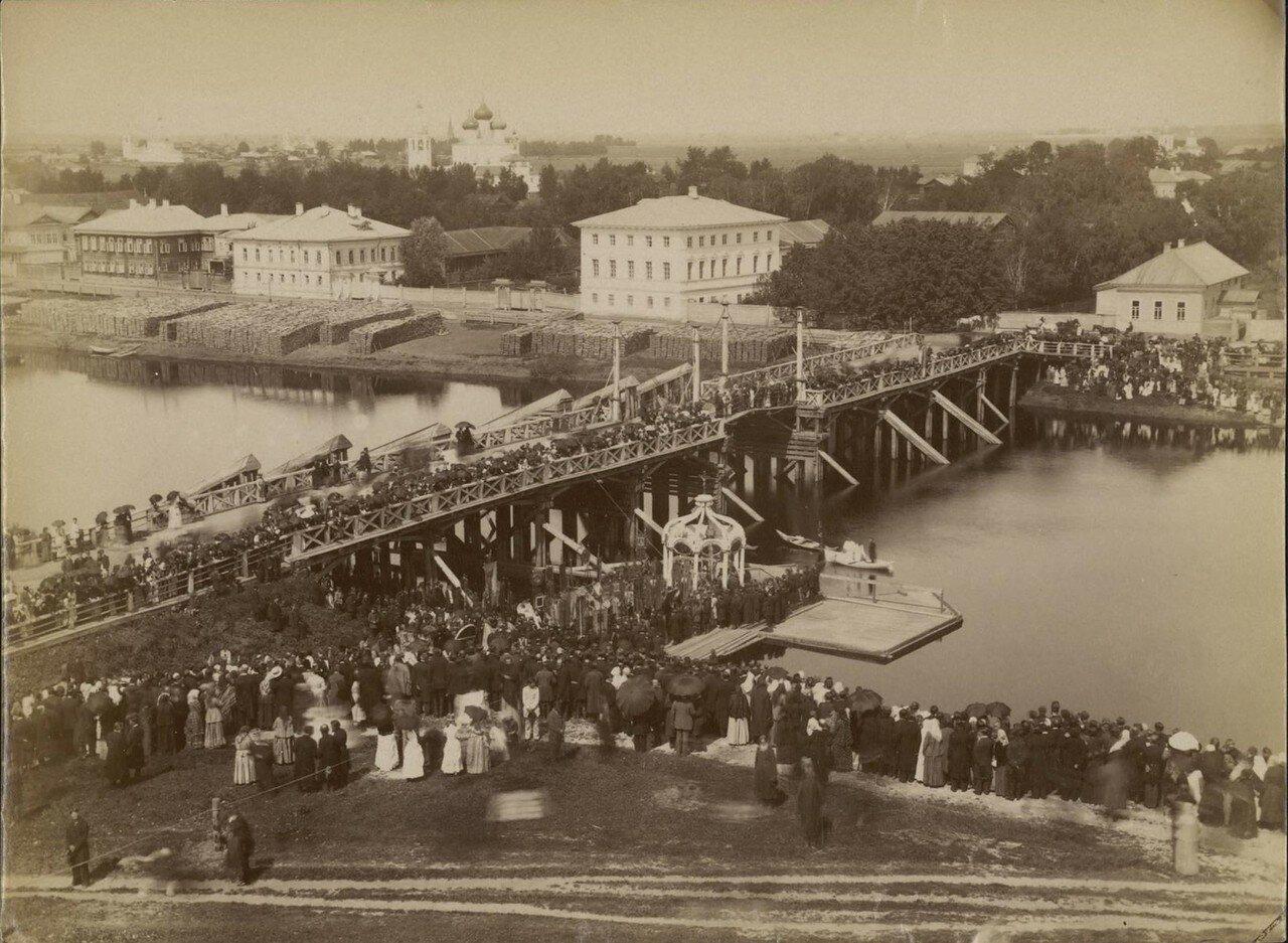 Вологда. Соборный мост. Освящение воды