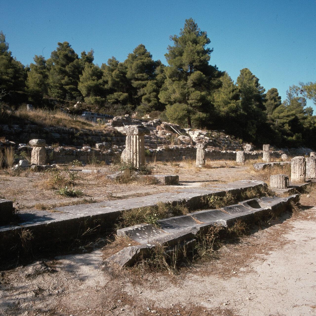 Археологический парк «Амфиарий». Удлиненный портик. IV в. до н.э.