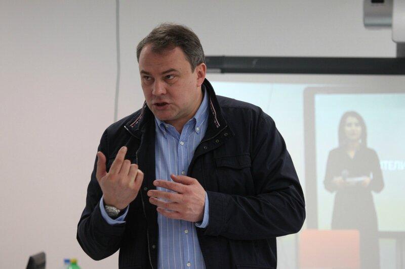 Петр Толстой - выступление перед жителями Марьино