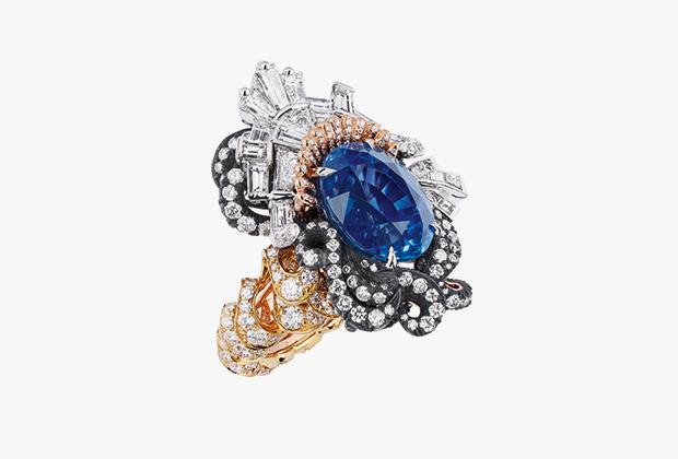 Dior выпустил коллекцию бриллиантовых бантов в честь Версаля