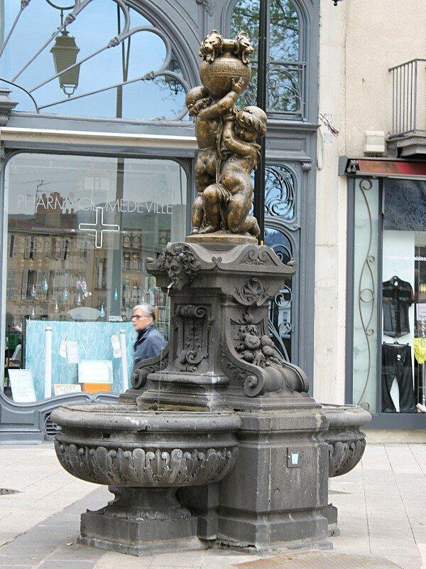 Клермон-Ферран. Площадь Победы (Place de la Victoire)