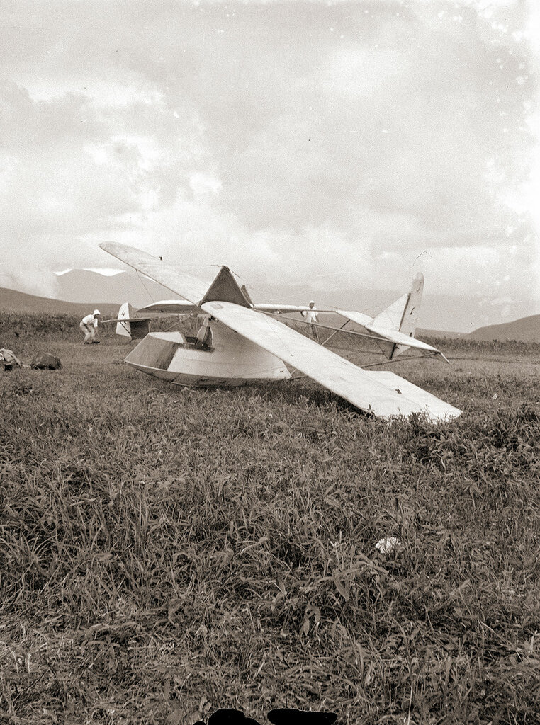 Two gliders on the ground in Japan in the 1930s