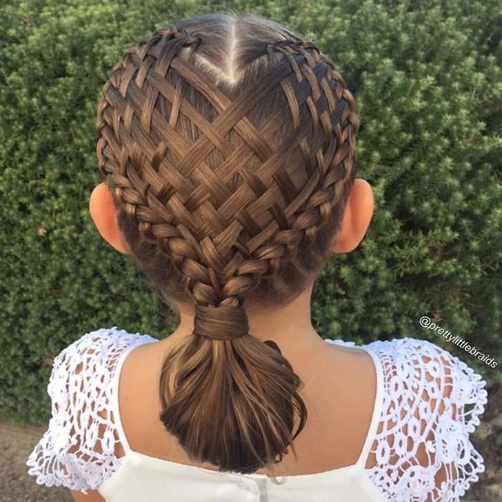 Мне нравится плести косы и выкладывать прически Грейс в сеть, чтобы другие могли вдохновиться моими