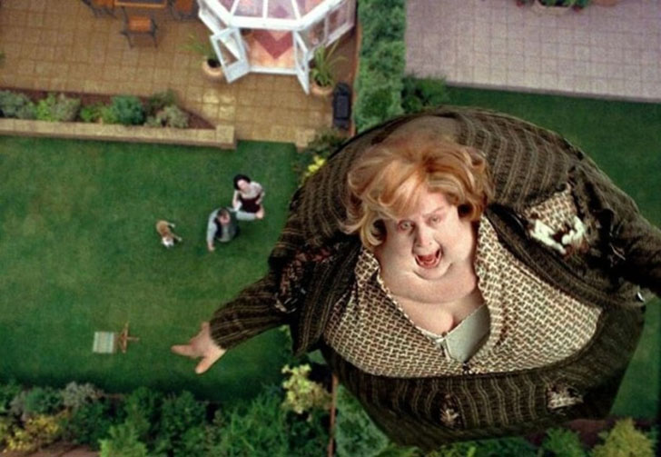 Над надувным костюмом тети Мардж для фильма «Гарри Поттер и узник Азкабана» работало около 20 челове
