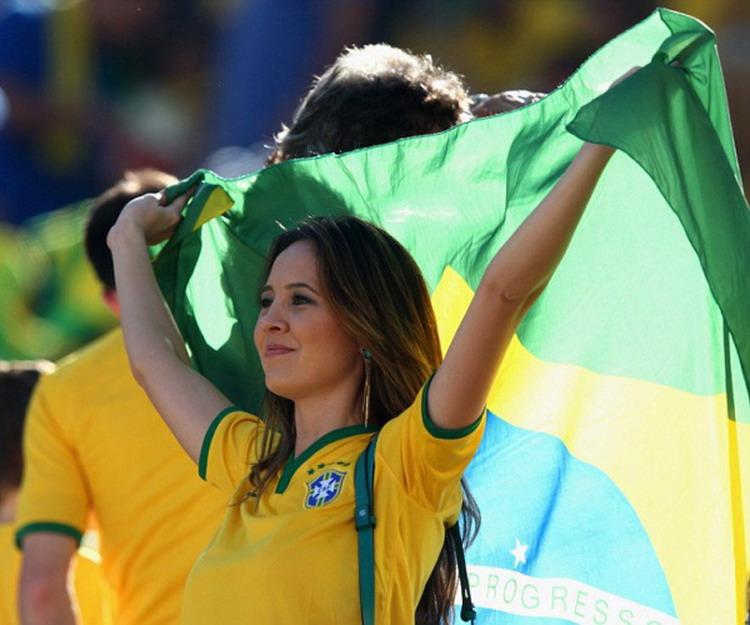 фото бразильских болельщица