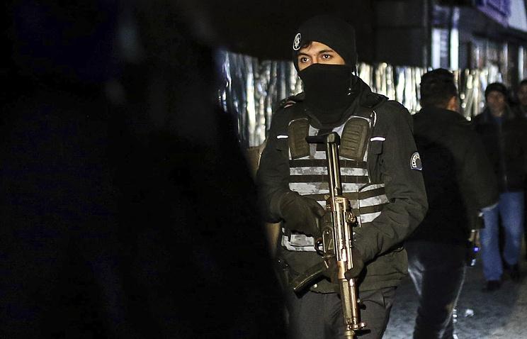 Появилось видео сместа стрельбы около ресторана вСтамбуле