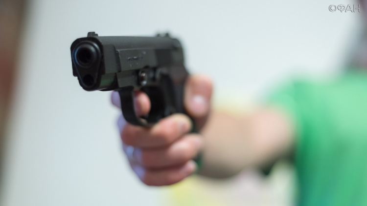 Вооруженный мужчина напал на гостей  супермаркета вИспании