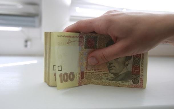 Это закон: Гройсман пообещал подвергать наказанию за заработную плату ниже 3200 грн